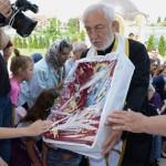 U crkvi Svete Petke u Jagodini svecani docek rize Svete Petke